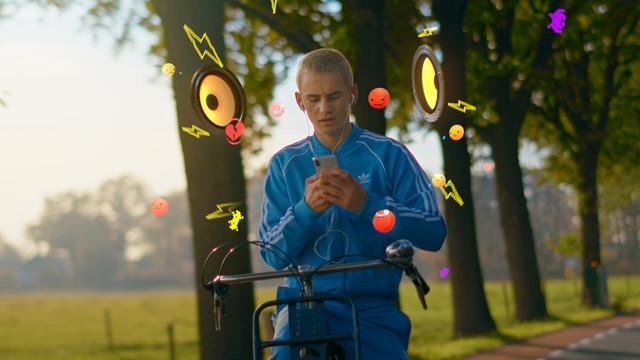 Telefoon in je zak Ogen op de weg Stichting Yannick 16x9 Poster Frame A